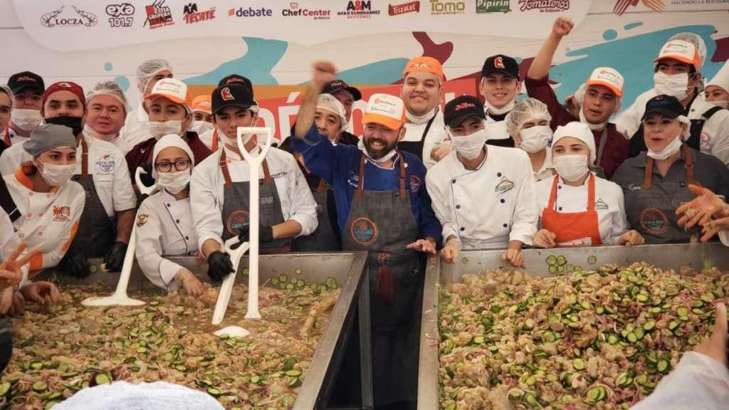 sinaloa-aguachile-record-guinnes-chef-mihuel-taniyama-jovenes-estudiantes-gastronomia-gobernador