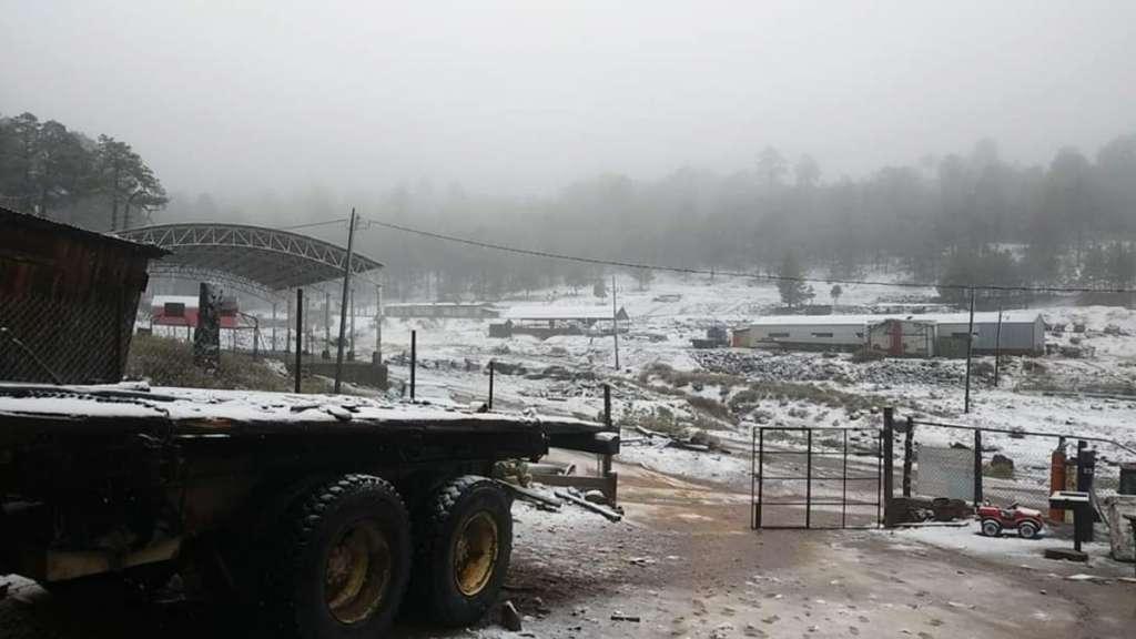 caida-nieve-nevada-guanacevi-durango-sierra-frente-frio-pronostico-proteccion-civil