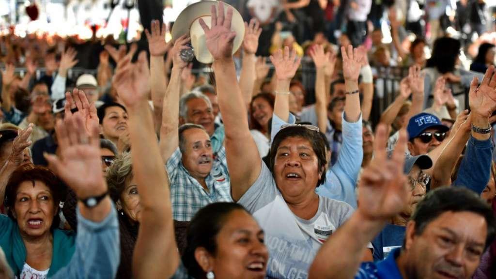Trabajadores podrán elegir cotizar su pensión en 10 o 25 salarios mínimos: Sebastian Patiño