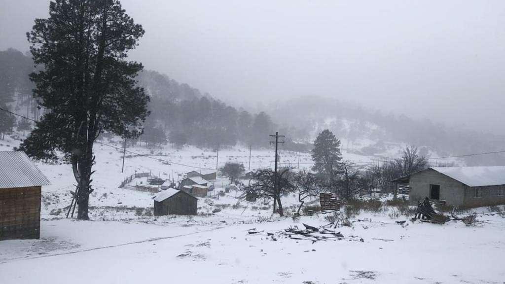 Durango-nevada-nieve-frio-bajas-temperaturas-frente-frio-tormenta-invernal