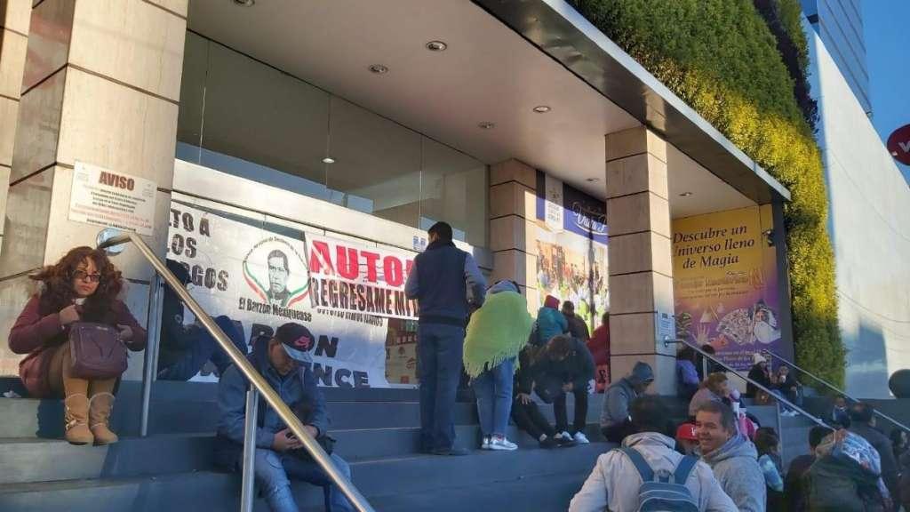 manifestantes-barzon-autofin-plaza-estrellas-circuito-marina-nacional