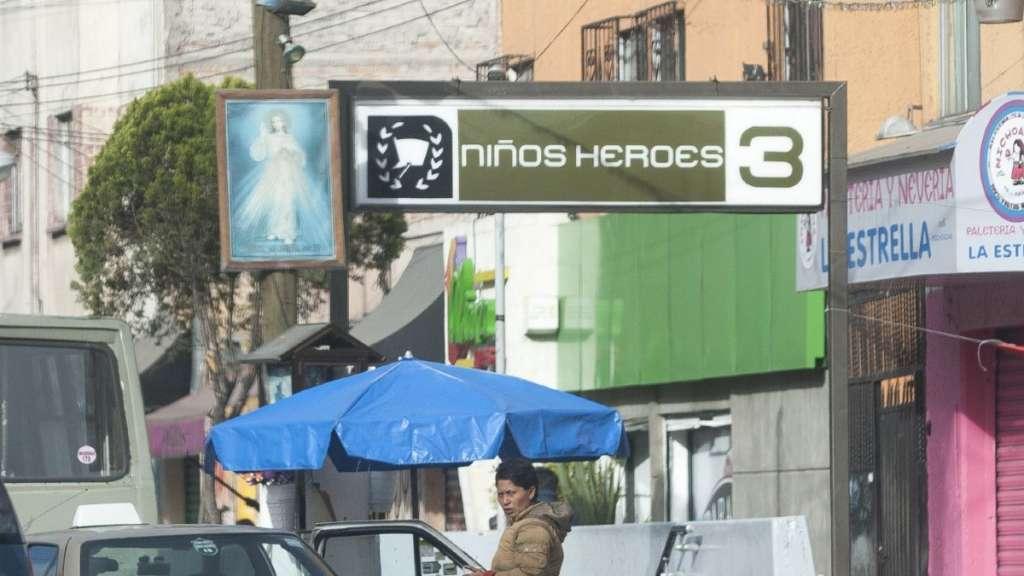 metro-ninos-heroes-asalto-apunalada-mujer