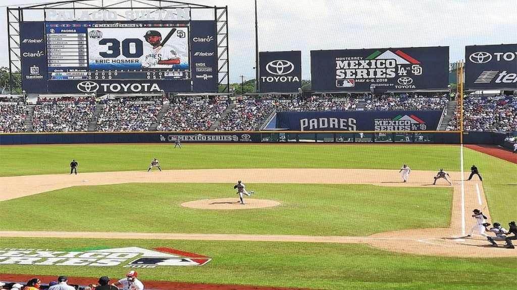 RECUERDO. Los Padres jugaron ante Dodgers en el Palacio Sultán de Monterrey, en 2018. Foto: Especial