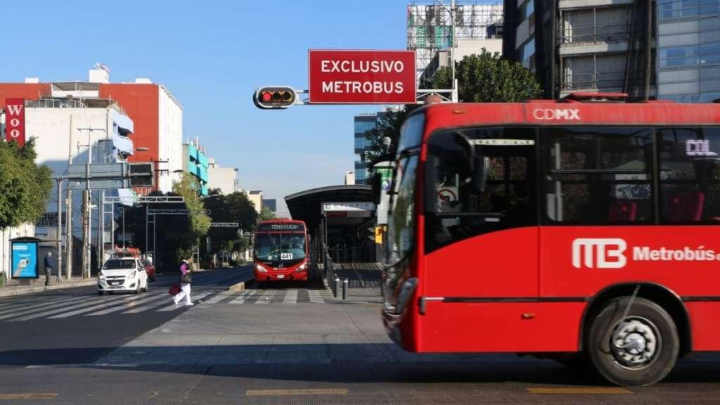 Las estaciones se encuentran cerradas por obras en el carril confinado FOTO: CUARTOSCURO
