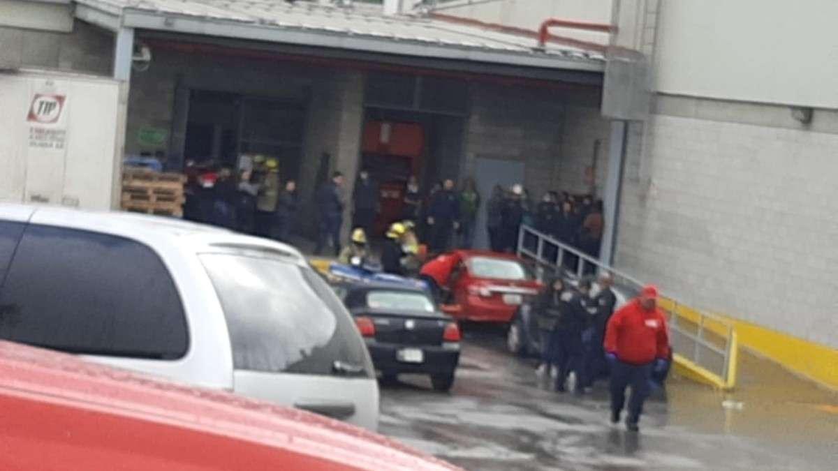 tijuana-intoxicados-bodega-aurrera-centro-comercial-bomberos