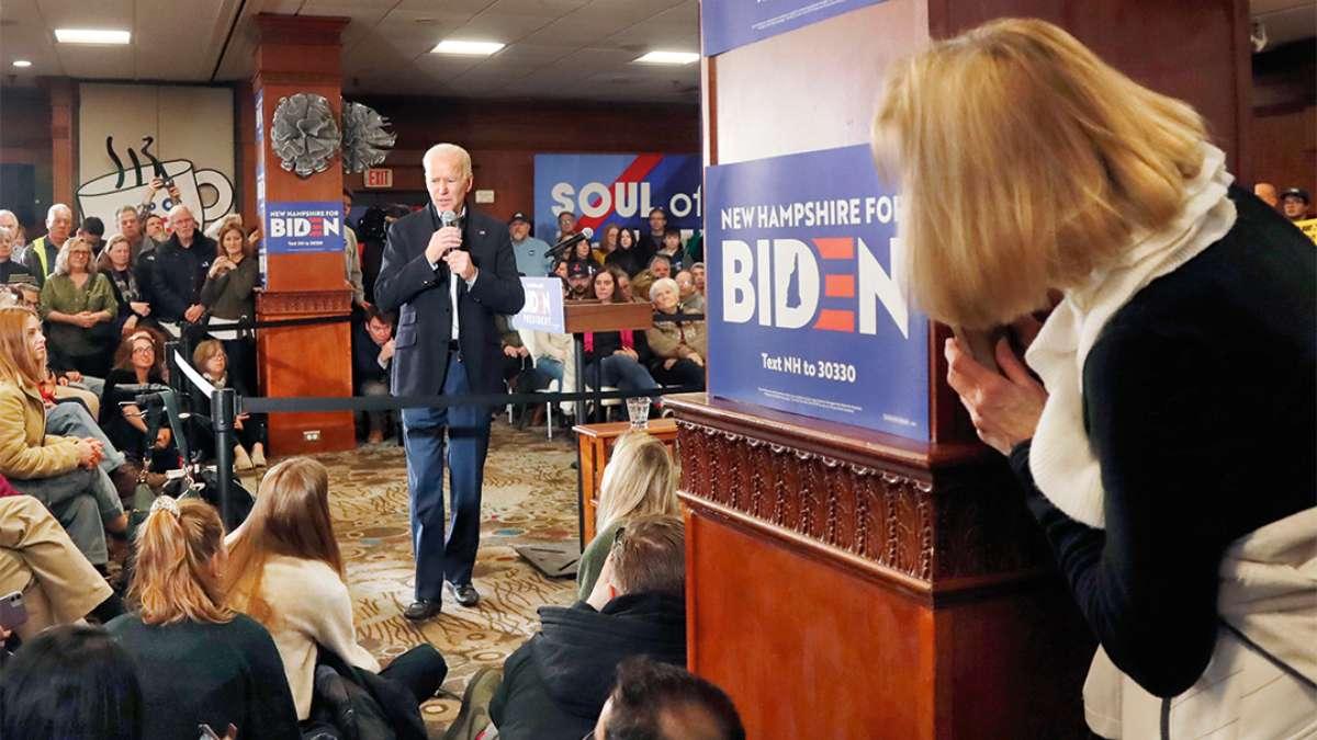 HAMPTON. Biden en un acto de campaña de cara a las primarias en New Hampshire. FOTO: AP