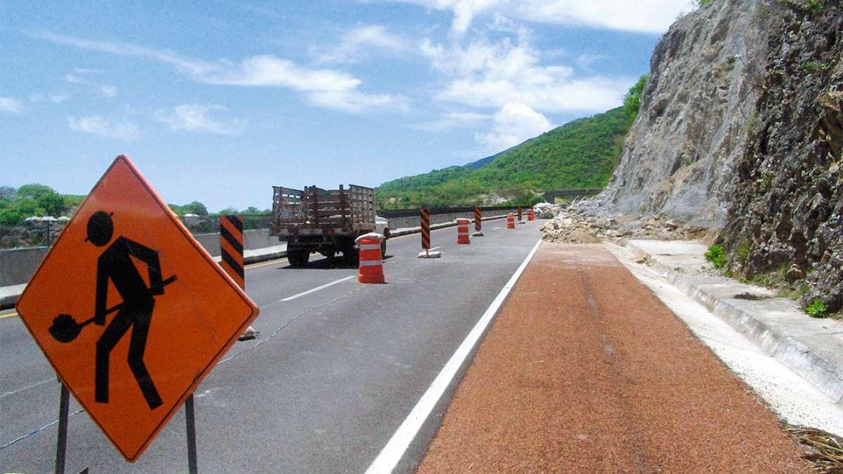 El rubro de infraestructura para el transporte tuvo su peor caída desde que hay registro en la Secretaría de Hacienda desde 2011. Foto: Cuartoscuro