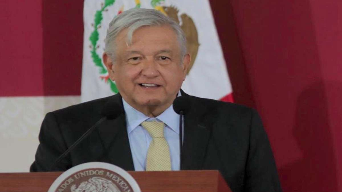 amlo-presidente-lopez-obrador-gobierno-aeropuerto-santa-lucia-bendicion-hazana-fuerza-aerea-armadas