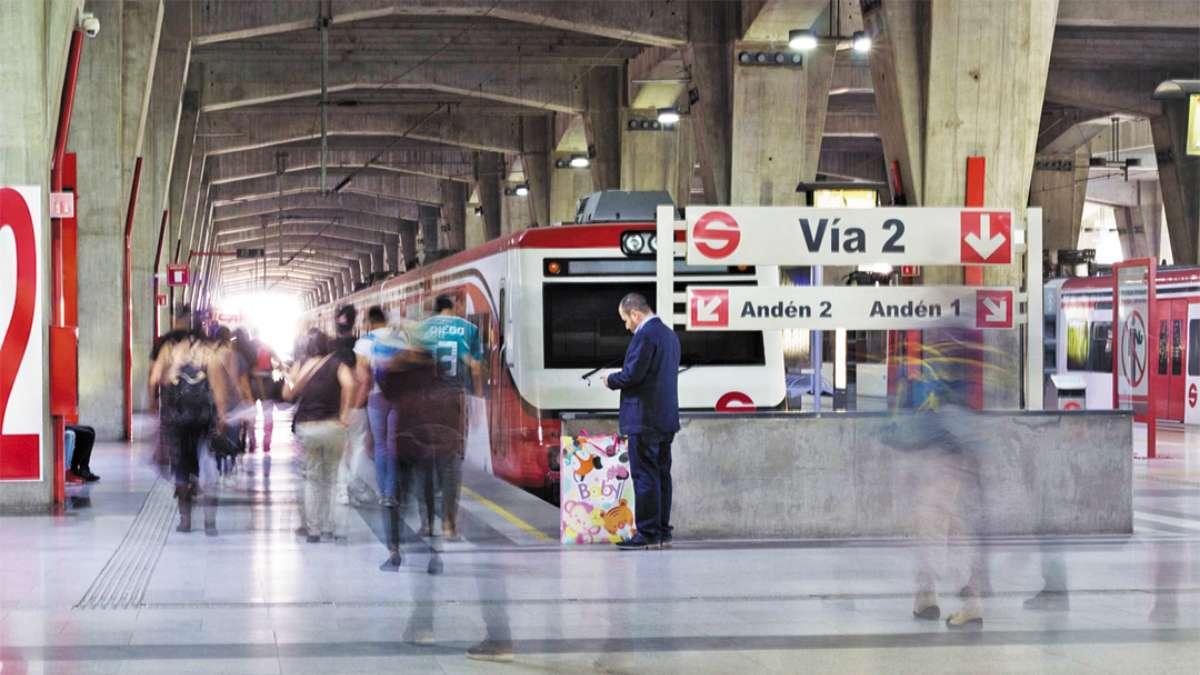 DOBLE. Puentes y vialidades elevan el presupuesto. Foto: Cuartoscuro