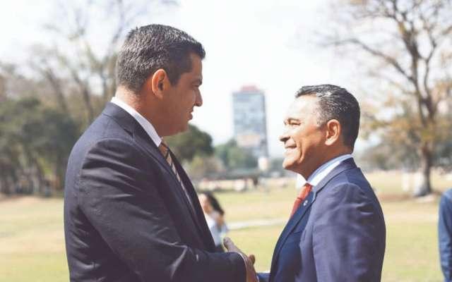 APOYO. Acudieron funcionarios como el subsecretario de Gobernación, Ricardo Peralta, y el presidente del INE, Lorenzo Córdova. Foto: Especial