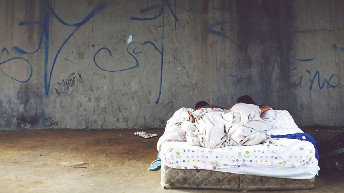 UN CAOS SOCIAL. Para los jóvenes, tener sexo o una cita está fuera de la normalidad. Foto: REUTERS