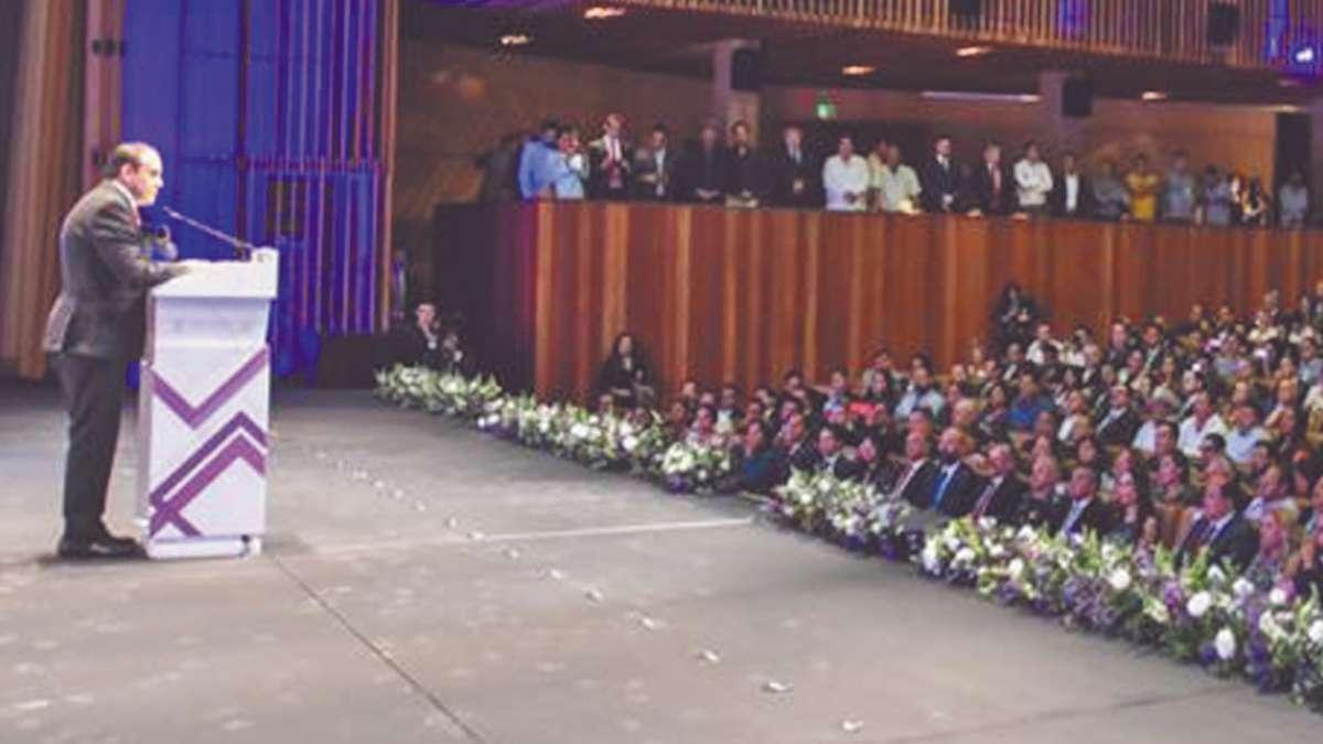 REUNIÓN. El Centro Cultural Teopanzolco fue el escenario en el que dio su mensaje el gobernador.  Foto: Especial
