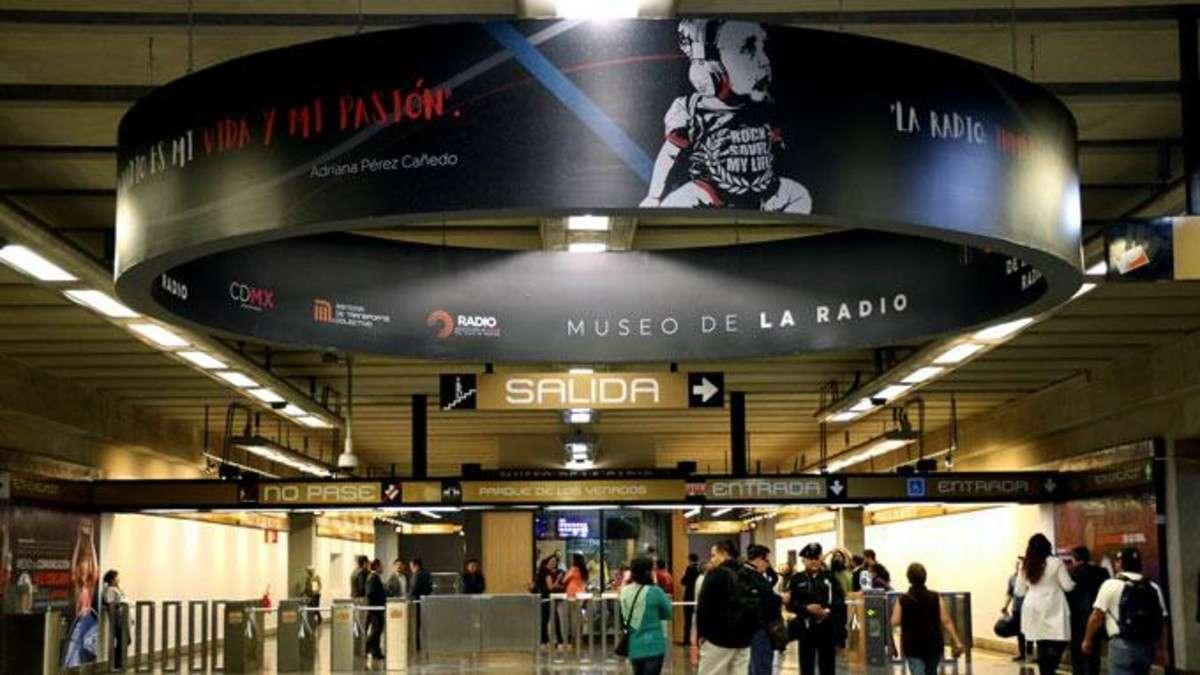 museo-radio-ciudad-mexico-cabina-usuarios-estacion