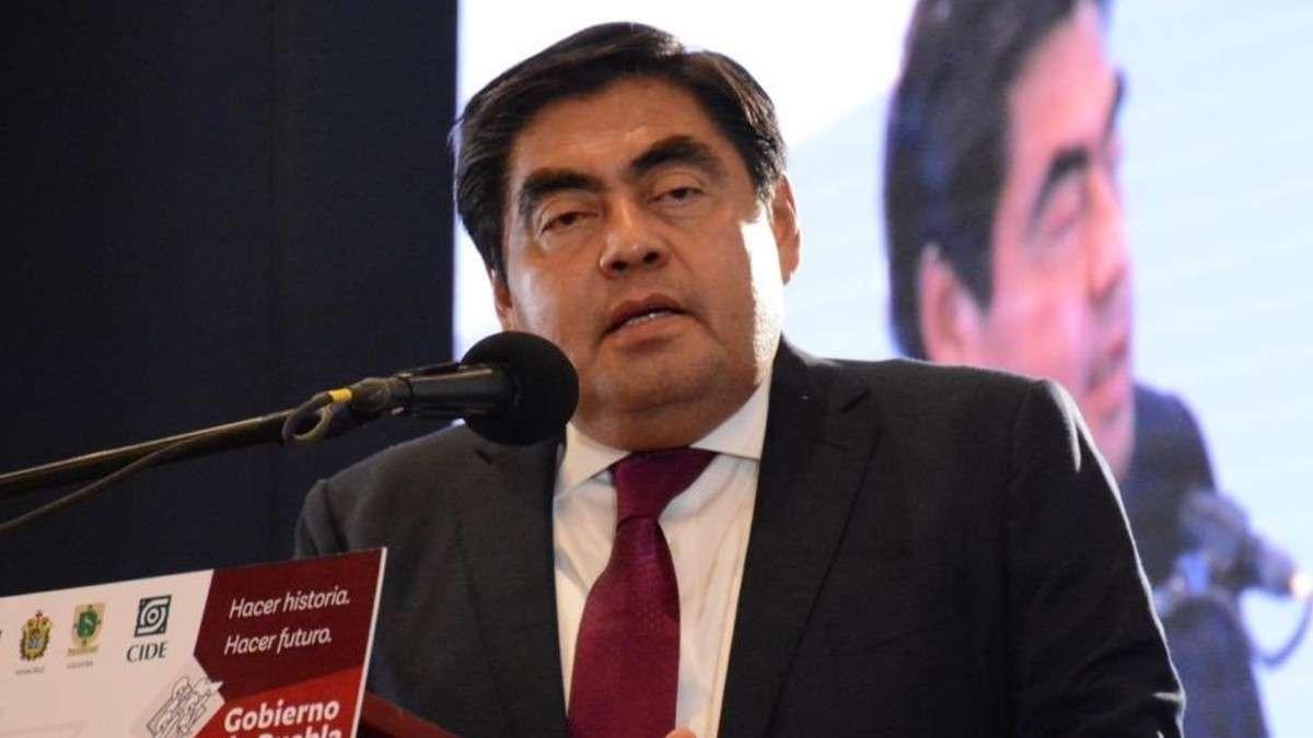 gobernador-puebla-miguel-barbosa-feminicidios-sanciones-investigaciones