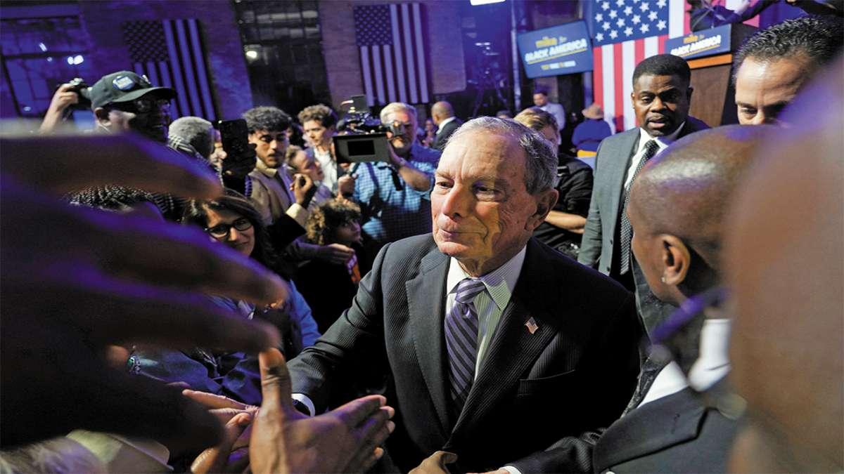 PARTICIPACIÓN. El demócrata Michael Bloomberg está subiendo en las encuestas. Foto:  REUTERS