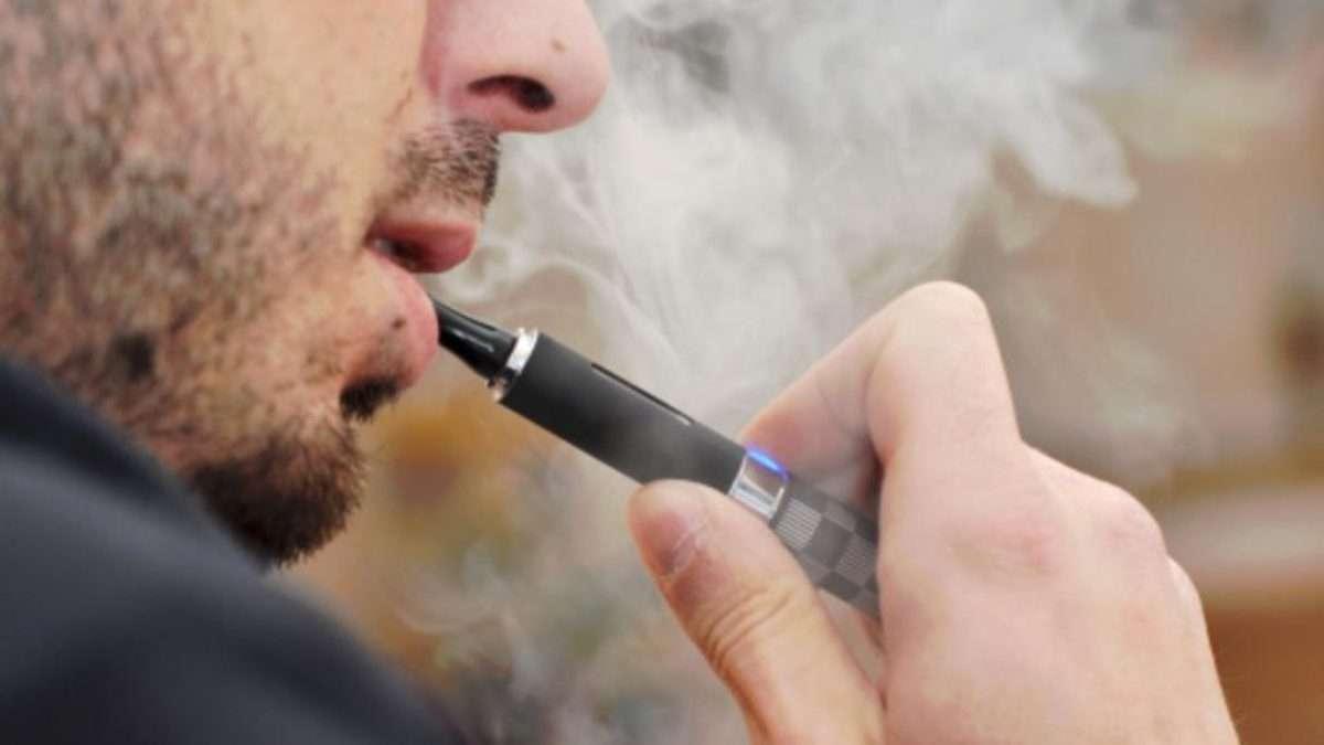Al cigarrillo electrónico y a sus usuarios se les conoce como vapers. Foto: Especial
