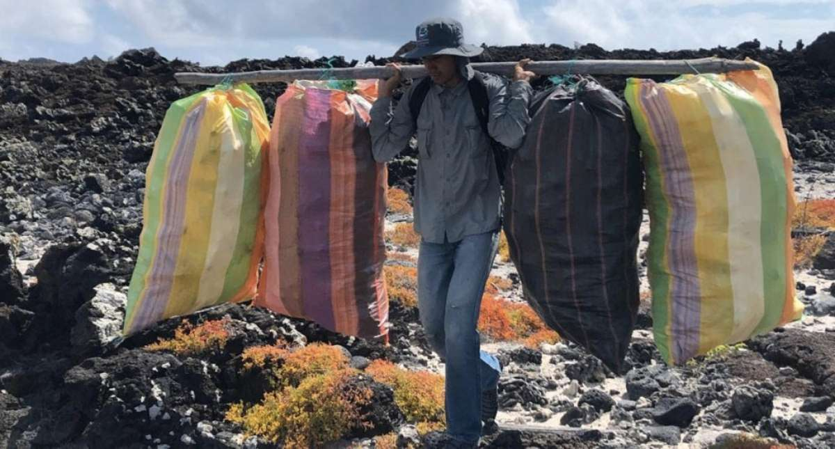 retiradas_toneladas_basura_islas_Galapagos (1)