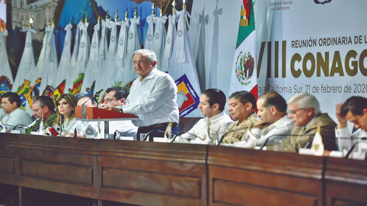 DATO. Fueron 15 gobernadores quienes estuvieron en La Paz con AMLO. Foto: Especial
