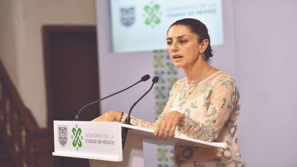 TODAS JUNTAS. Claudia Sheinbaum anunció que 150 mil mujeres de la administración pública capitalina pueden unirse al movimiento. Foto: Especial