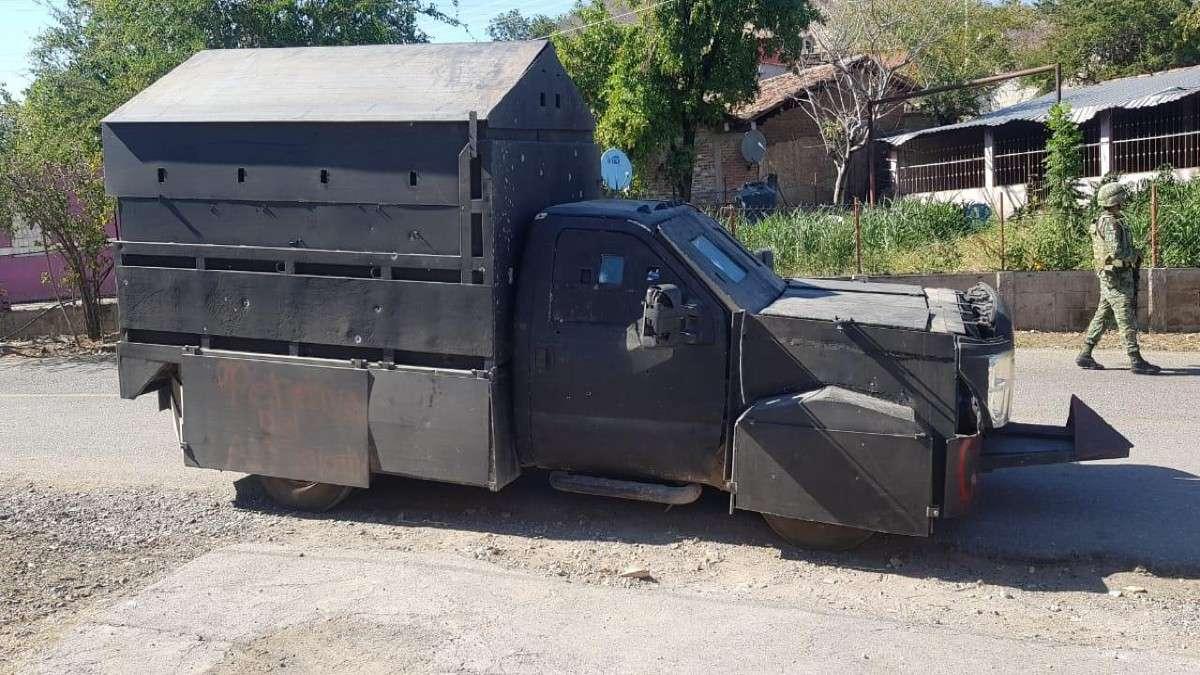 Tras ser atacados a balazos, elementos del Ejército, de la Guardia Nacional y de la Policía del Estado detuvieron ayer en el municipio de Zirándaro de los Chávez