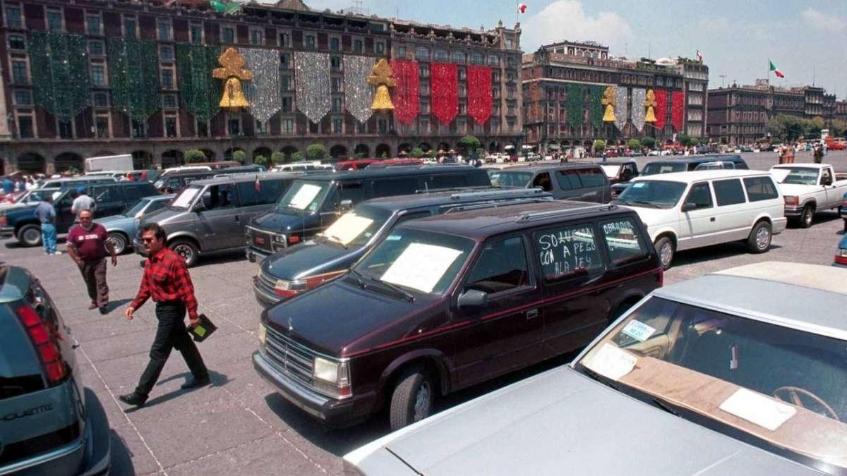 Las autoridades preven la regulación de varios autos no regularizados. FOTO: Especial