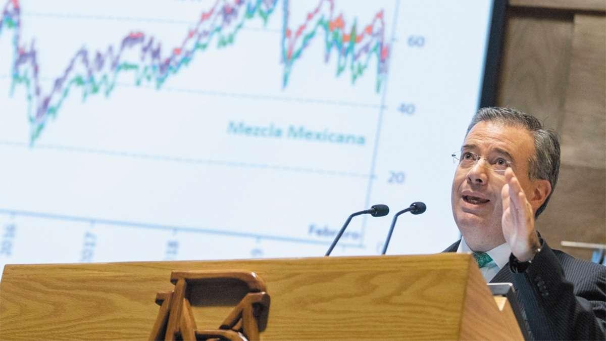 PANORAMA. Ayer, el responsable de la política monetaria presentó el Informe trimestral del cuarto trimestre. Foto: CUARTOSCURO