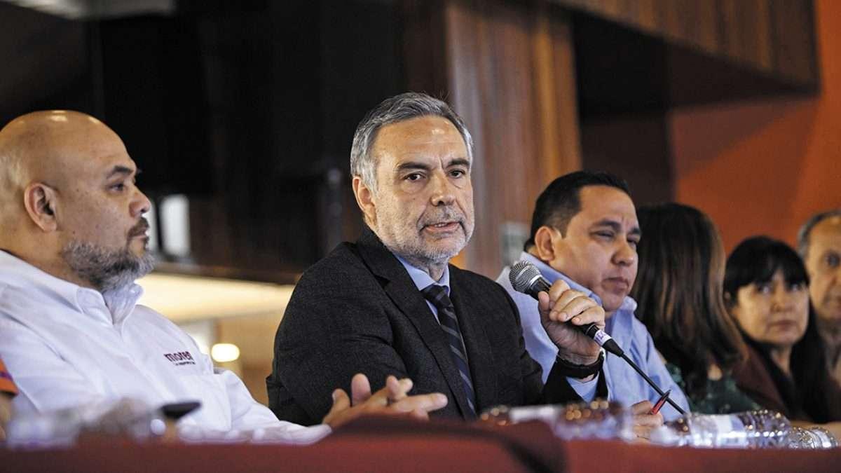 SISTEMA. El dirigente de Morena anunció que desde hoy comienza el proceso de sucesión por el método de encuesta. Foto: Nayeli Cruz