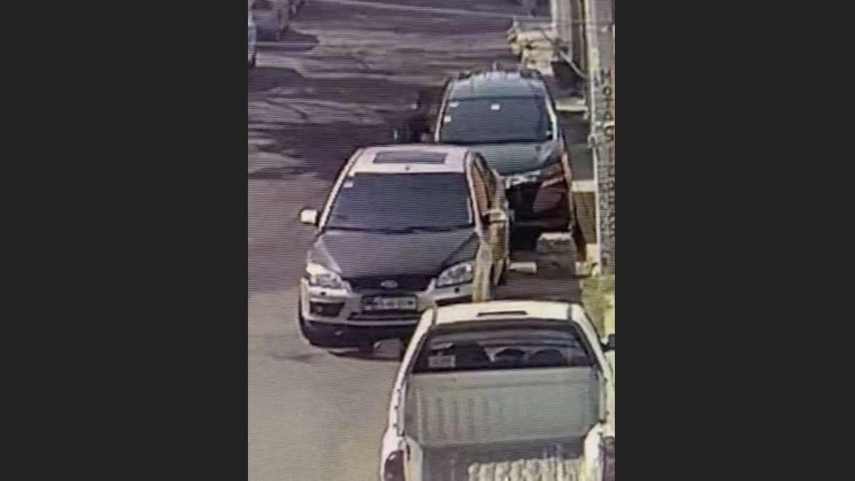 VIDEO_Hombre_captado_robando_segundos_partes_auto_Coapa