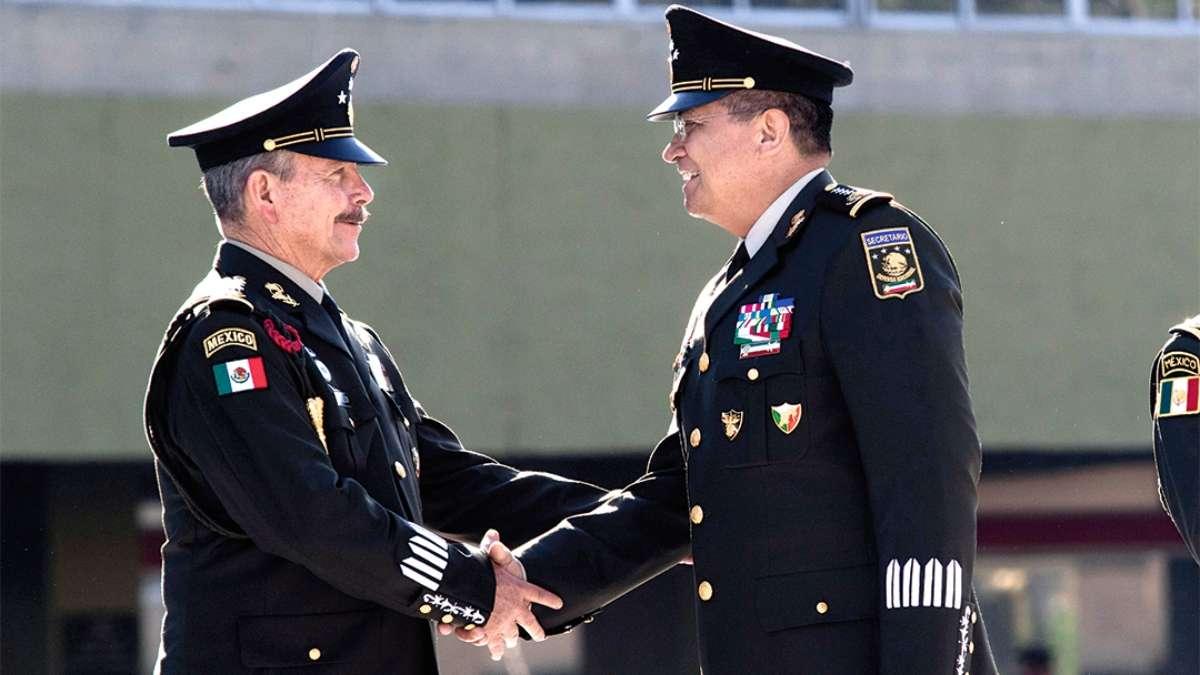 El general André Georges Foullon van Lissum (izq.) es el nuevo subsecretario de la Defensa Nacional. FOTO: CUARTOSCURO.