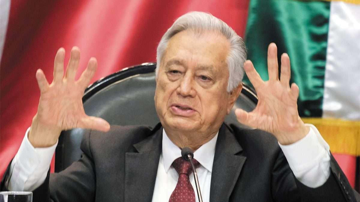 RECHAZO. Manuel Bartlett, director general de la CFE, fue cuestionado en el Senado. Foto: CUARTOSCURO