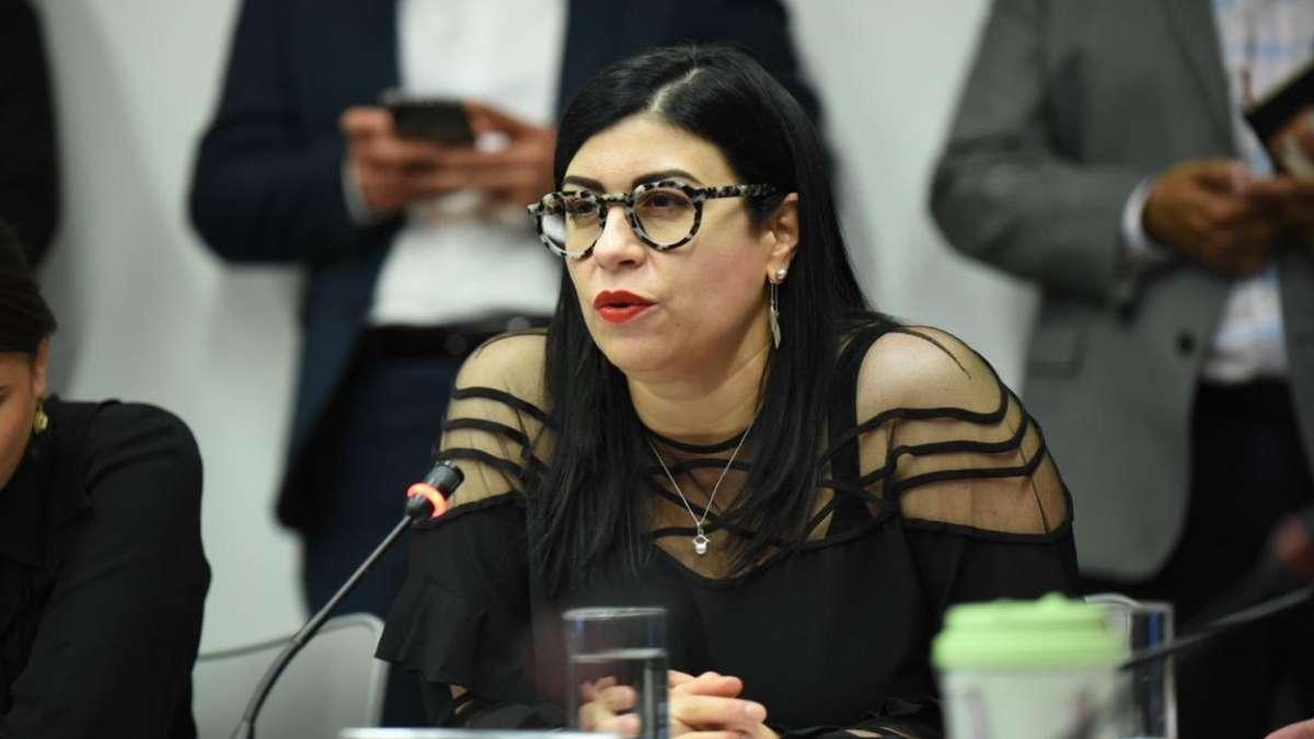 Senadora Vanessa Rubio habla con Carlos Mota sobre polemico tuit