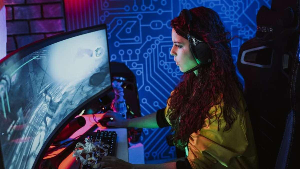 SEGURIDAD. Se recomienda a los gamers adquirir los juegos en sitios oficiales. Foto: Especial