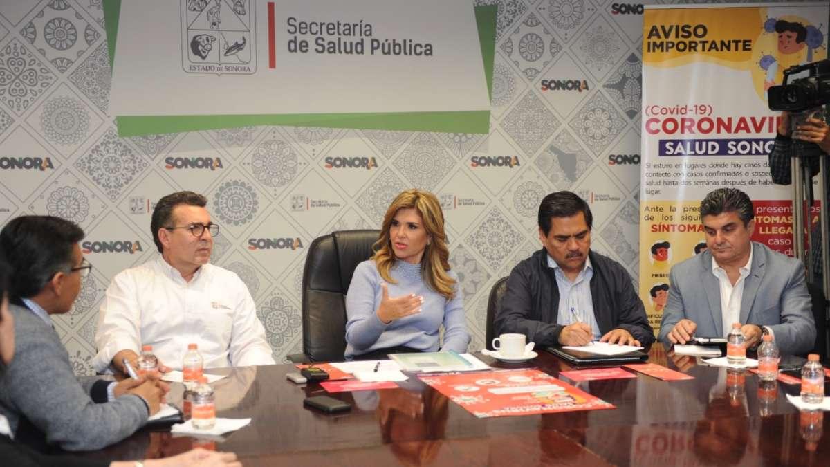 En dicha conferencia, Álvarez Hernández señaló que se reforzó la vigilancia epidemiológica en aeropuertos, centrales de autobuses, puertos marítimos y en la línea fronteriza. Foto: Especial