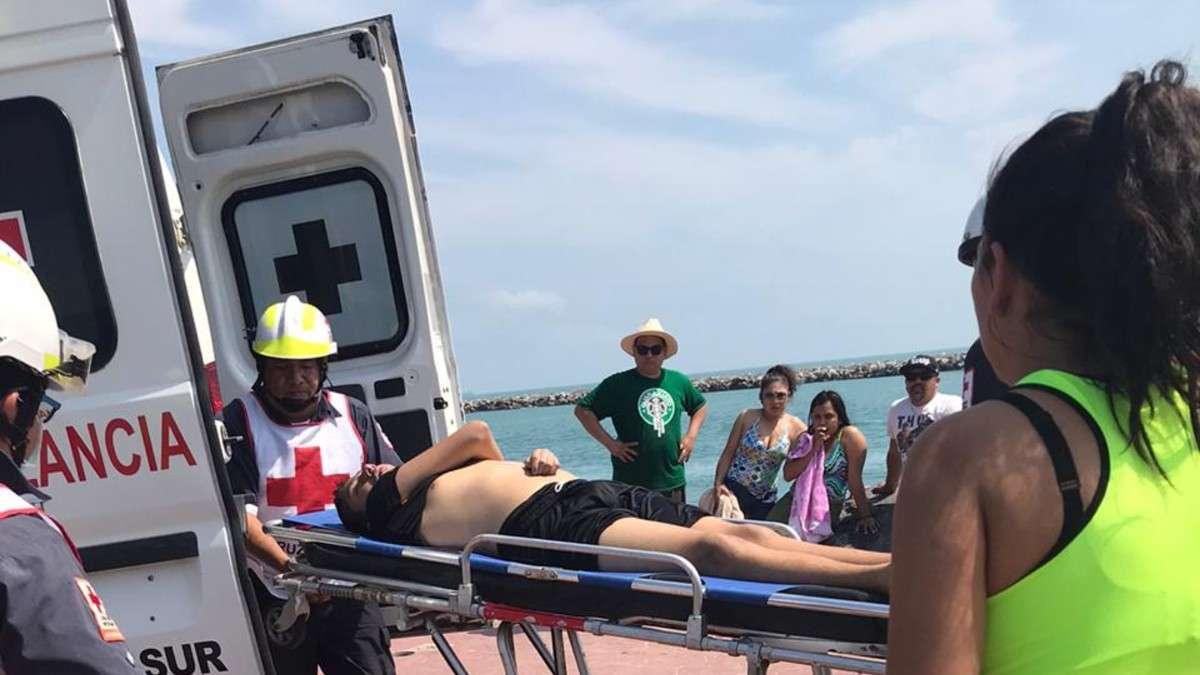 rescatan-menores-edad-playa-miramar-tamaulipas-madero