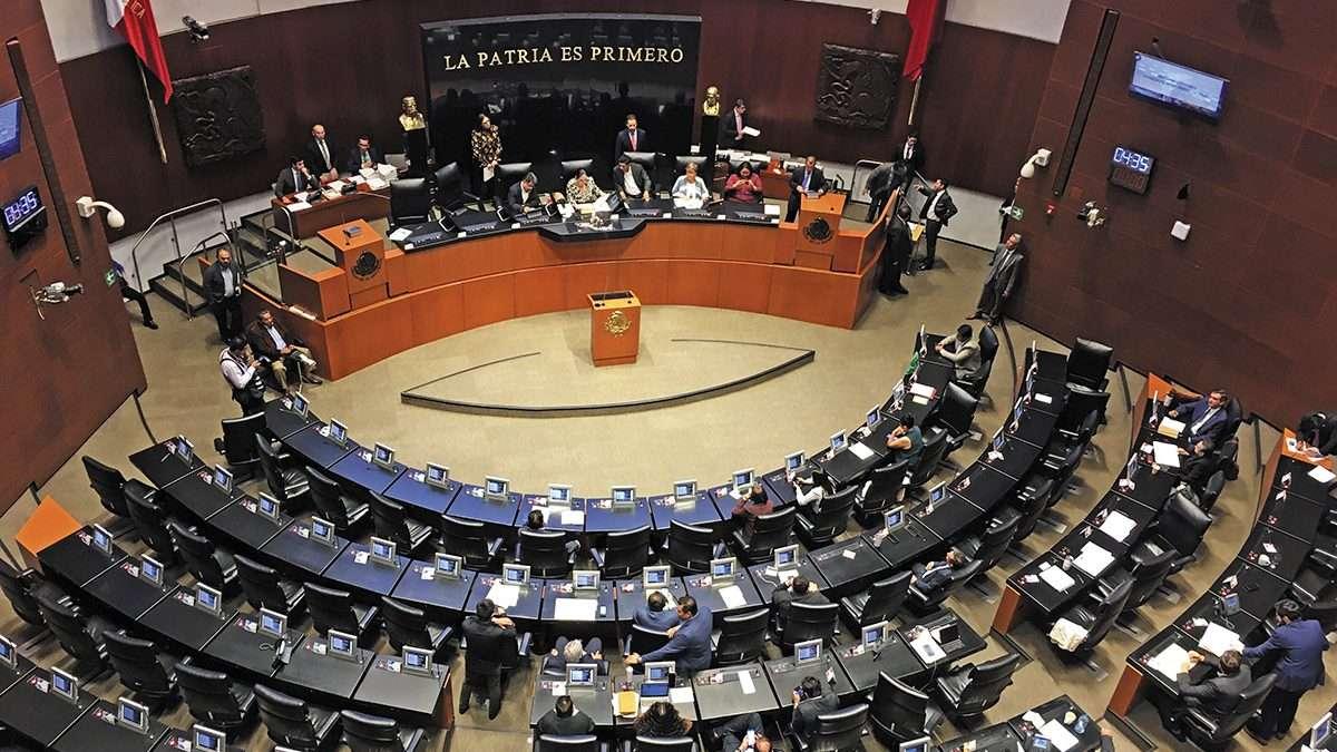 PANZAZO.  Tras horas de espera en el Senado, Morena logró el quorum para sesionar. Foto: CUARTOSCURO