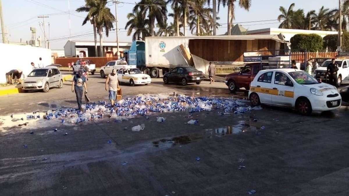 cervezas accidente vial carretera tamaulipas saqueo