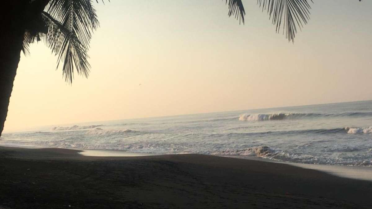 playas de Tecomán