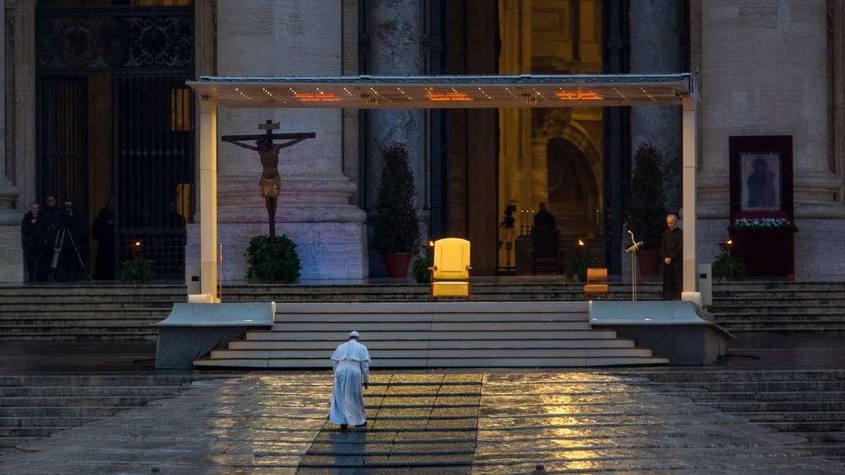 papa francisco oracion vaticano roma coronavirus