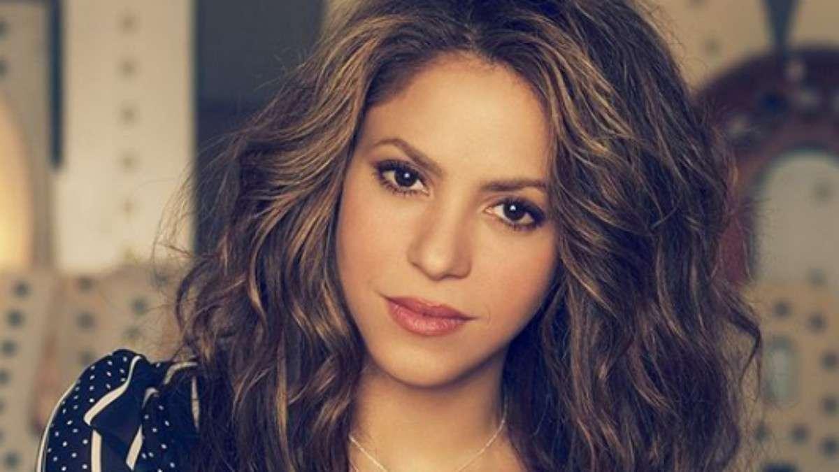 Shakira fabrica gel antibacterial para ayudar a gobierno en Espana
