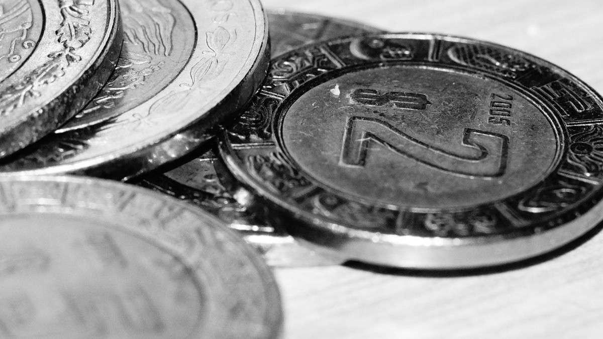 cierre-bolsa-peso-caida-dolar-tipo-cambio-jornada-30-marzo