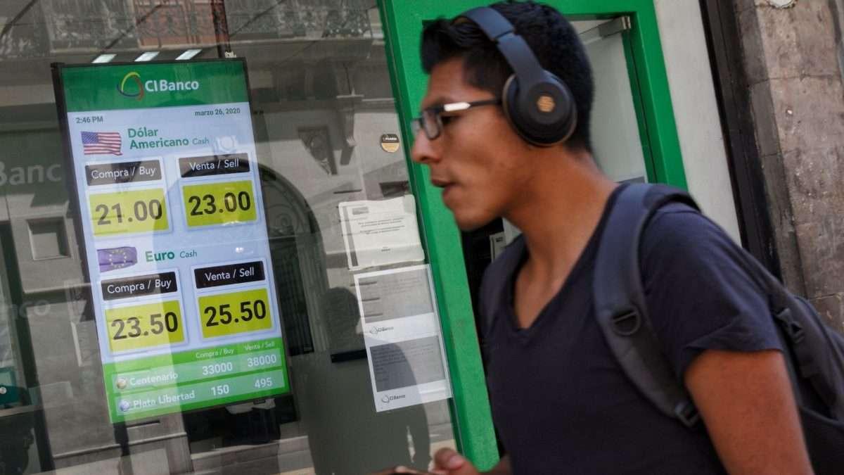 RECESIÓN. Se estima que la economía mexicana se va a recuperar de la recesión a finales de 2021. Foto: Cuartoscuro