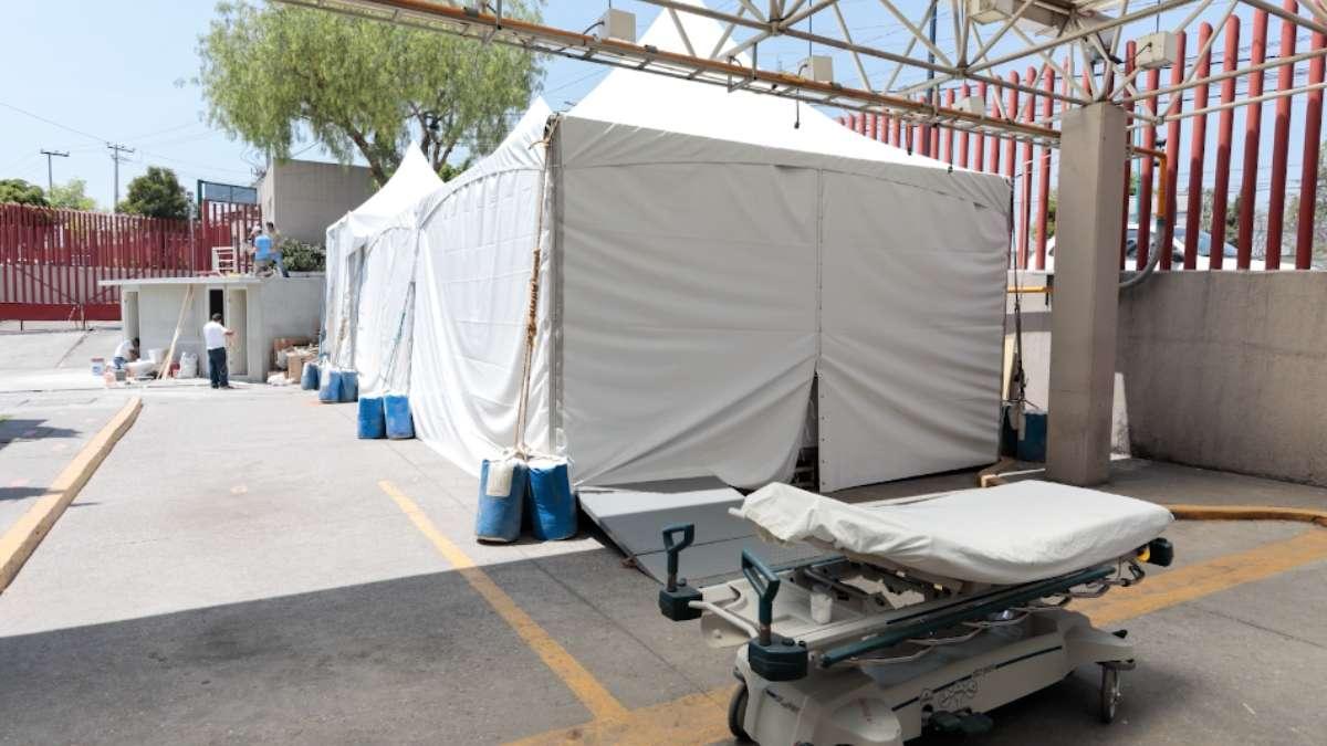 El hospital Enrique Cabrera apura la colocación de carpas exteriores. Foto: Especial