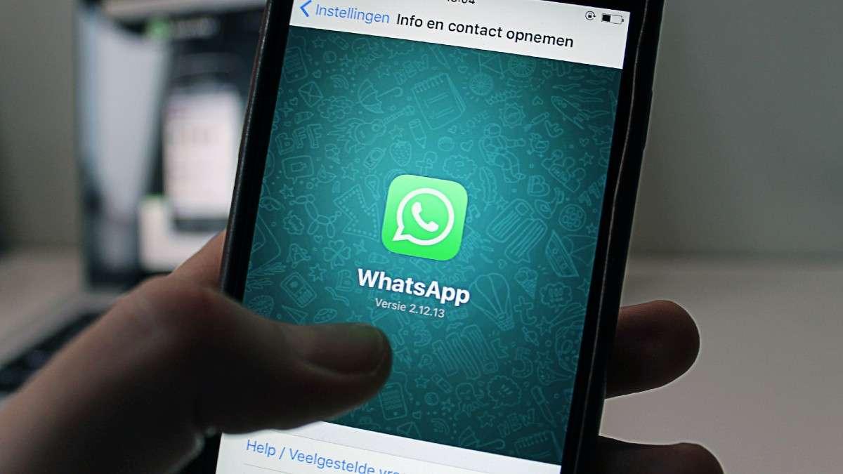 whatsapp mensajeria stickers estado de animo