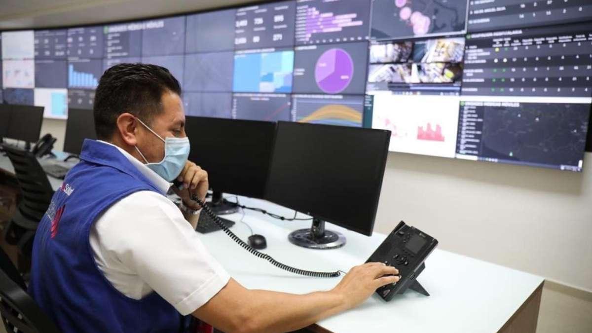ALTA CAPACIDAD. Mediante visualizadores dinámicos se proyecta información sobre diagnósticos y atención de emergencias. Foto: Especial