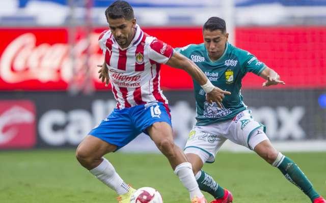 Chivas empató sin goles en su debut. Foto: Mexsport