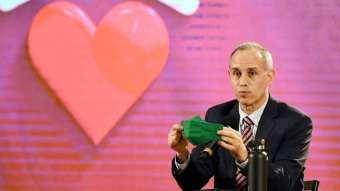 Hugo López-Gatell lamentó ayer la cifra de decesos acumulados en el país. Foto: Leslie Pérez
