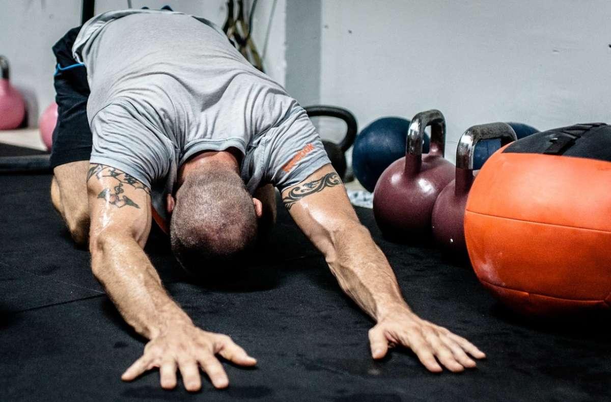 Este tipo de rutinas ayudan a fortalecer los huesos. FOTO: Pixabay