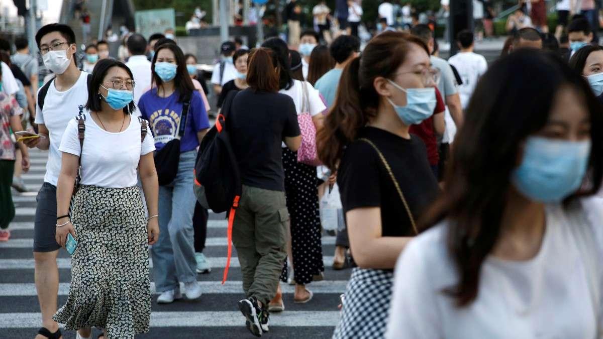 organizacion mundial salud ve baja en contagios coronavirus covid casos mundiales muertes