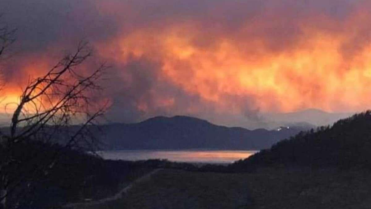 incendio forestal huelva espana evacuados