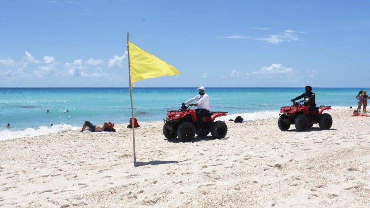 Senado aprueba prohibir playas privadas